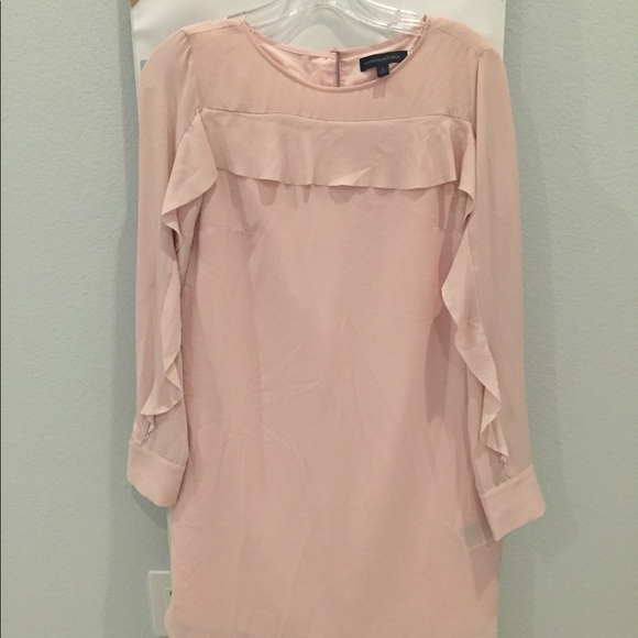 Banana Republic Dresses & Skirts - Banana Republic Pink Ruffled Sleeve Dress